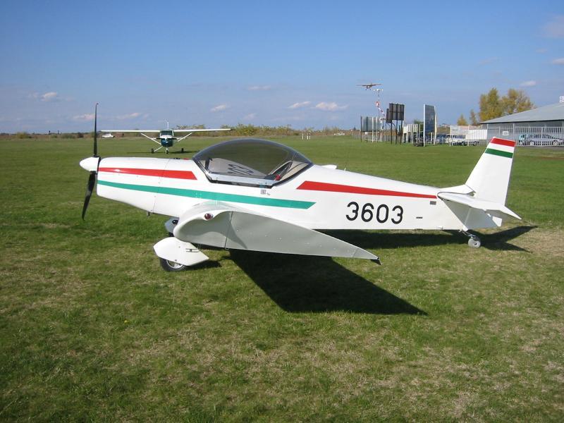 Eladó repülőgép
